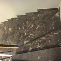 Emperador Dark, Treppen und Boden